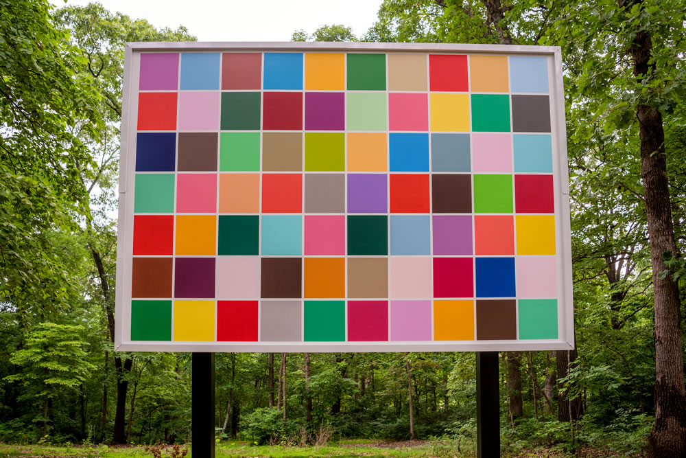 Spencer Finch (born 1962). Back to Kansas, 2015. Exterior household paint on canvas. 190 × 186 inches. Collection of Christian Keesee, New York and Oklahoma. Photo: Ironside Photography, Courtesy of Crystal Bridges Museum of American Art.