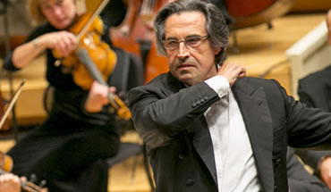 Image of Riccardo Muti, conductor of the Chicago Symphony Orchestra on stage during a performance